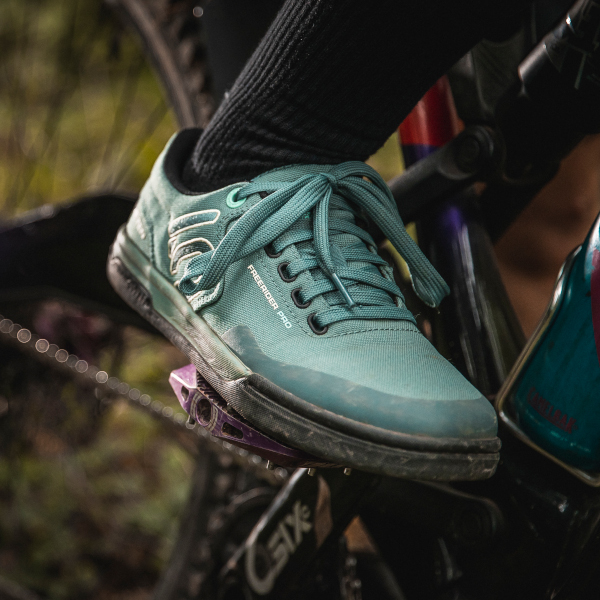 Cycling Footwear & Pedal System Buying Guide